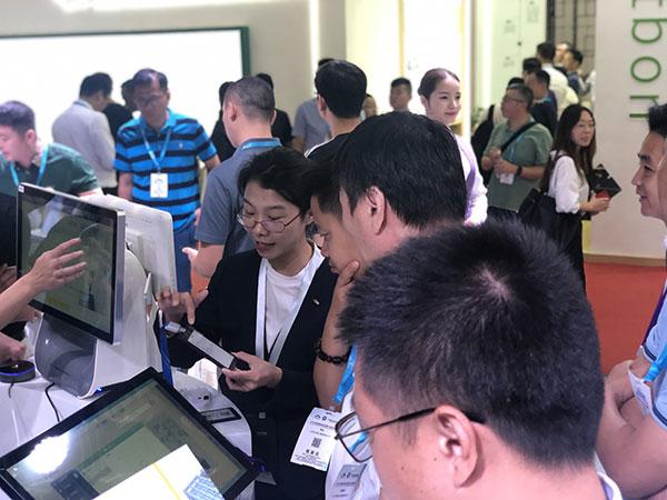易思智E-badge智能卡证系统火爆亮相国际物业博览会 图4